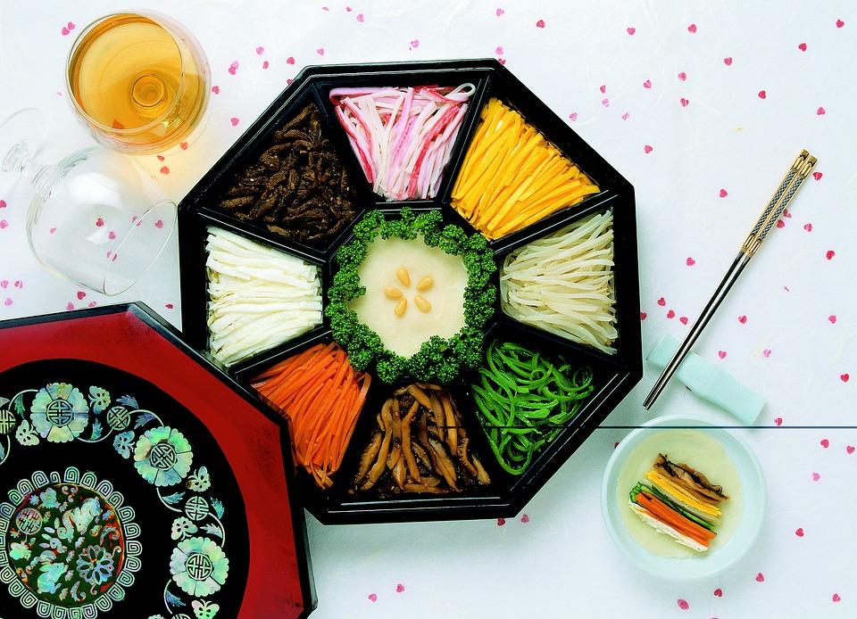 韓国で覚えておきたい食事マナー!日本との違いも多い!?