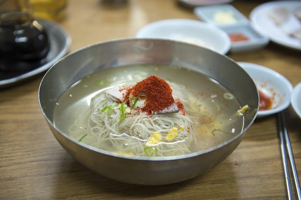 韓国で食べたい麺料理!東方神起が通う有名店も!